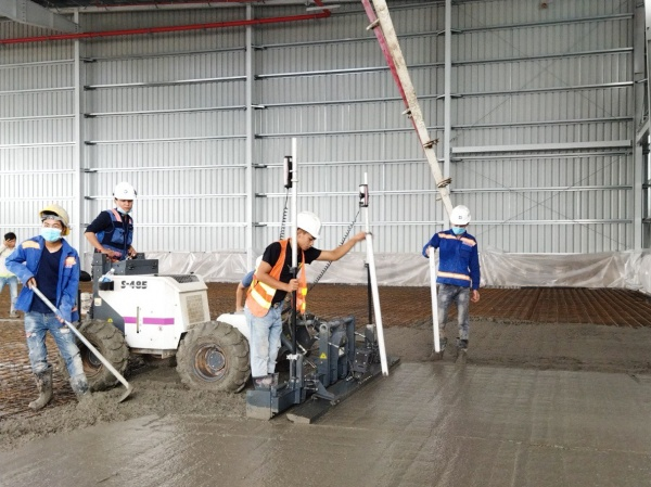 CONSTRUCTION OF FLAT FLOOR ACHIEVING FM2 OF TR34-4th STANDARD